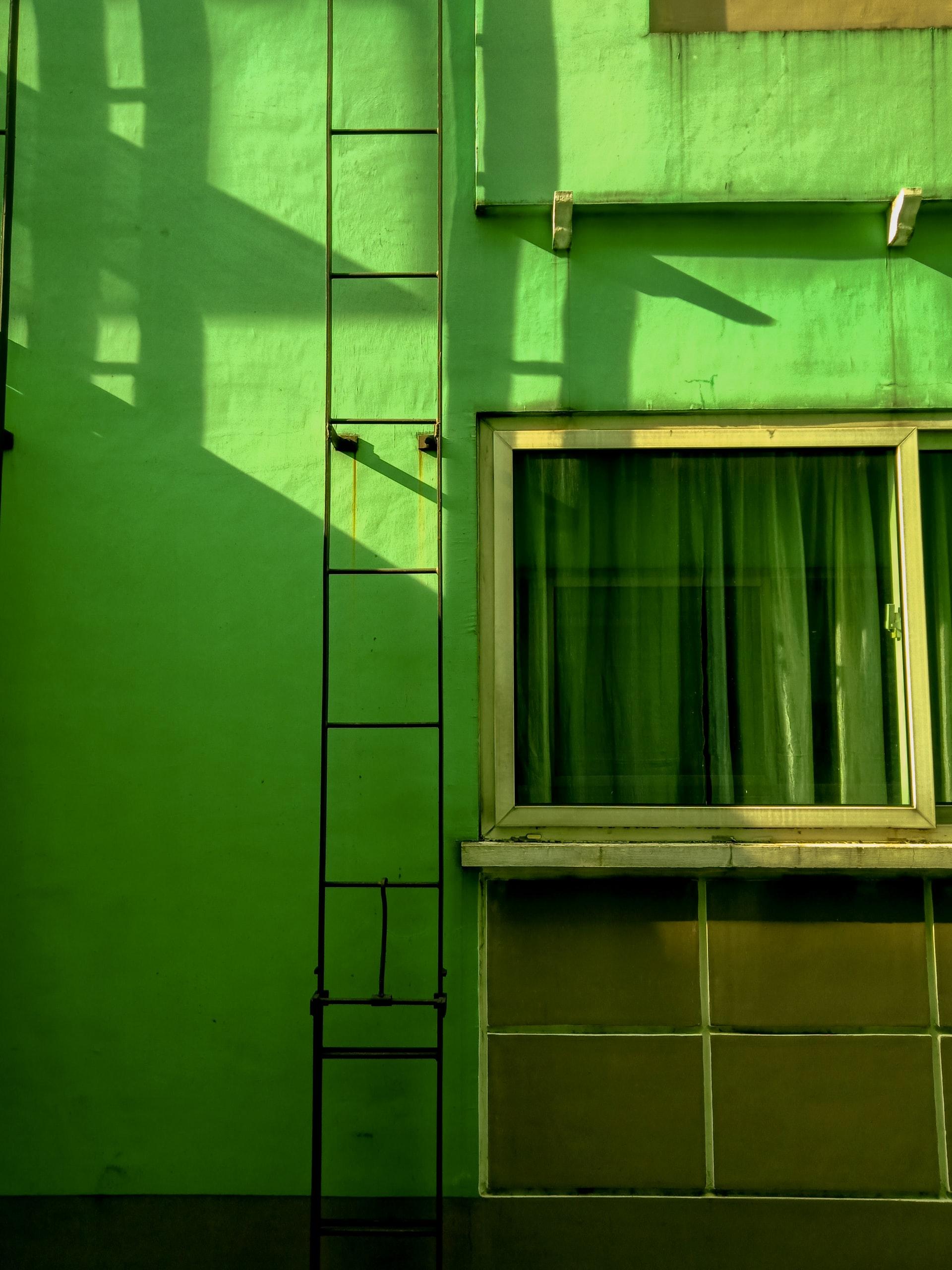 groen geschilderd huis